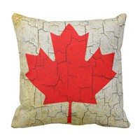 Vintage Canada flag on a cracked wall Cushion