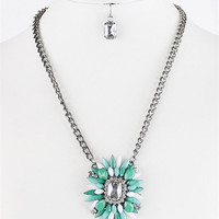 On Point Necklace: Mint