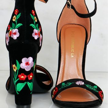 Growing Garden Embroidered Heel Black