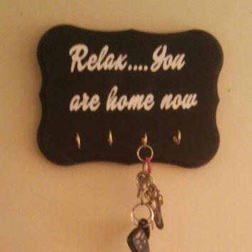Wooden key rack - wood key holder - housewarming gift - Realtor gift - key ring holder