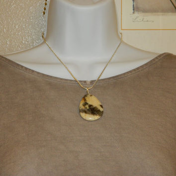 65ct. Cream and Brown Stone, Semi Precious, Agate, Pendant, Necklace, Teardrop, Natural Stone, 152-15