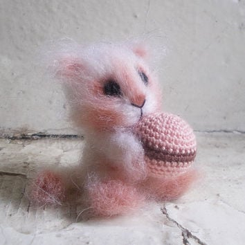Little cute fluffy kitten with a ball, crochet cat, crochet plush toy, small crochet cat, little amigurumi cat, small pet animal, small cat