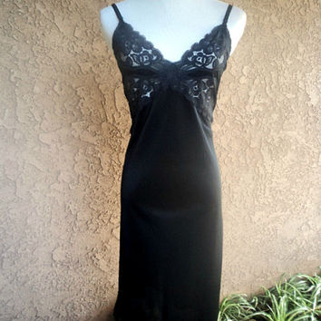 Vintage 60s Slip Full Nylon Scalloped Lace Black Vanity Fair 38 Bust