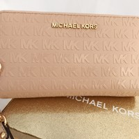 Michael Kors Zip Around Phone Wristlet Wallet Patent MK Signature Oyster