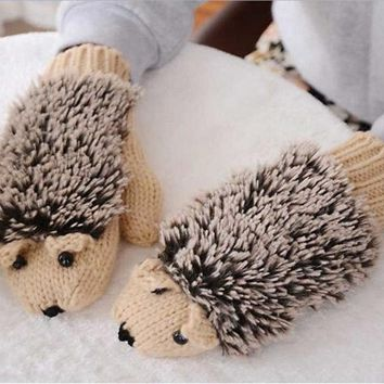 Refers to all the cartoon hedgehog gloves Han edition lovely winter winter gloves female girl knitted gloves