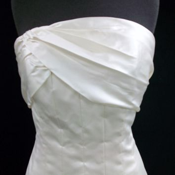 Ivory Silk Satin Carolina Herrera Seamed Gown, CA145 - Strapless / Dropped Waist / 8