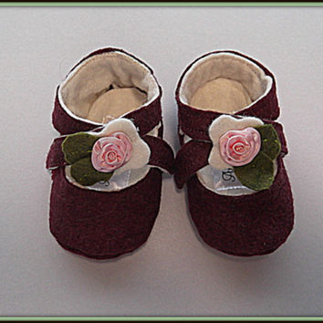 Baby Girl Felt Shoes, Booties, in a beautiful shade of burgundy with pink rose accents.