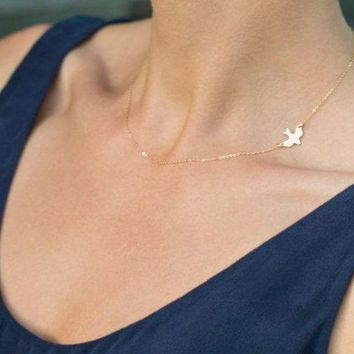 LMFUV2 Metal bird pigeons short women's necklace clavicle chain