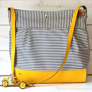 BEST SELLER Diaper bag / Messenger bag STOCKHOLM Gray geometric nautical striped Yellow Leather