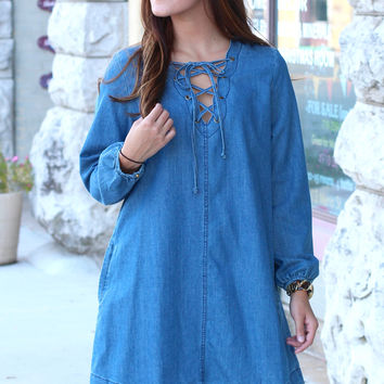 Lace Up Scalloped Chambray Dress {L. Blue Denim}