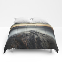 I´m a collider Comforters by HappyMelvin