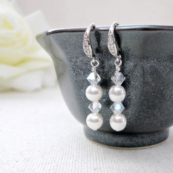 Pearl and crystal dangle wedding earrings, Wedding earrings, Bridesmaid earrings, Simple everyday jewelry