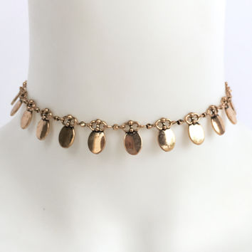 Prized Possessio Choker In Gold