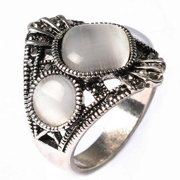 Vintage Opal Rings Sliver Plated Hand Decorated Antique Silver Plated Retro Oval Natural Stone Opal Rings For Women
