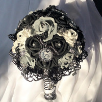 Gothic Steampunk Skull Wedding Flower Bouquet Skull Flowers Black/Grey/White- Day of the Dead Wedding Flowers Bride's Bouquet-Gothic Fantasy