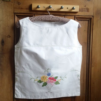 Ladies sleeveless vest top white cotton blouse embroidered tops peasant blouses vintage linen Dolly Topsy Etsy UK