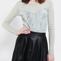 Urban Outfitters - Kimchi Blue Limelight Lace Cropped Top