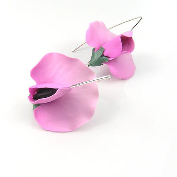 Pink sweet peas - handmade polymer clay earrings - polymer clay jewellery - floral earrings