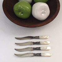 set of 4 mother of pearl fruit knives, nicely shaped, Victorian era, elegant tableware for contemporary use