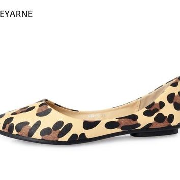 New Arrival Sexy Leopard Pointed Toe Shallow Mouth Flat Women Shoes Loafers Non-slip Casual Shoes Super Light Soft Single Ladies