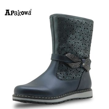 APAKOWA Winter Girls Boots Genuine Leather Mid-Calf New 2017 Flat Shoes for Girls Fashion Solid Winter Boots with Zip EUR 25-32