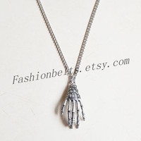 antique silver streampunk skeleton hand necklace jewelry,hipster jewelry