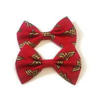 Red & Gold Wonder Woman Bow • DC Comics Bow • Red Gold Bow • Girl Power Hair Bow • Comic Book Hair Bow • DC Comics • Girl Power Gifts •