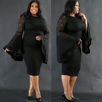 Plus Size Black Lace Party Dress with Wide Cuffs