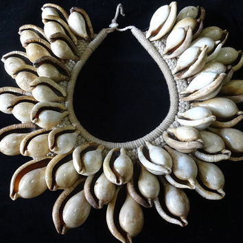 Beauty Exotic Brown Shell Necklace Adornment Papua New Guinea Fashion Style