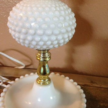 Marvelous Vintage Milk Glass Hobnail Table Lamp