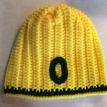 Oregon duck Beanie, Adult beanie,hand crochet, football game hat , U of O, green, yellow,