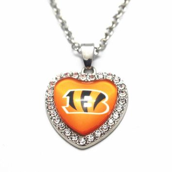 1pcs Heart Crystal Cincinnati Bengals Glass Pendant Necklace 20 Inch Chains Necklace For Women Sports Necklace Jewelry