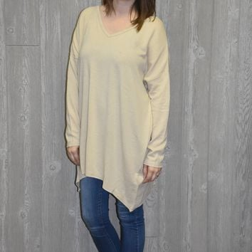 Stay Close Oatmeal Tunic