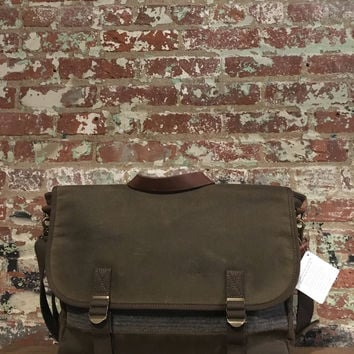 Pendleton Rugged Messenger, Yakima Camp