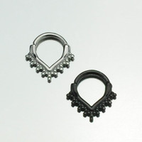 Curved Post Septum Clicker with Pointed Balls