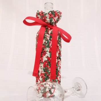 Christmas wine tote with red ribbon bow - crocheted wine bag, holiday gift bag, wine or water bottle holder