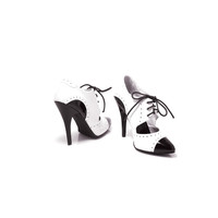 Black & White Closed Toe Oxford Heels - Unique Vintage - Prom dresses, retro dresses, retro swimsuits.