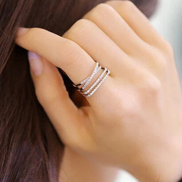 Full rhinestone layered gold plated ring resizable
