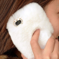 White Furry iPhone 5 Case for Winter