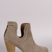 Qupid Suede Notch Chunky Heeled Ankle Boots