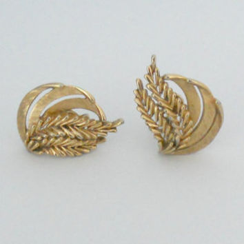 Vintage Trifari Earrings Gold Tone Treasury by houseofheirlooms