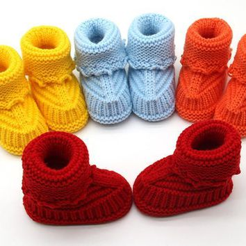 1 pair Winner Baby Shoes Toddler Newborn Baby Knitting Lace Crochet Shoes Buckle Handcraft Shoes For 0-6 Months Old