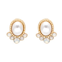 Ovalicious Pearl Stud Earrings