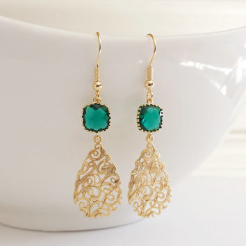 Drop Earrings, Dangle Earrings, Bridesmaid Earrings,Wedding jewelry, Emerald, Green, Paisley Filigree, Gold Teardrop, Jewelry Gift