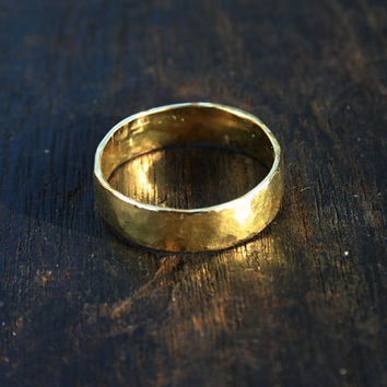 18k gold ring. 18k yellow gold ring. Solid gold ring. Solid gold wedding band Hammered mens gold wedding band Rustic organic wide band ring.