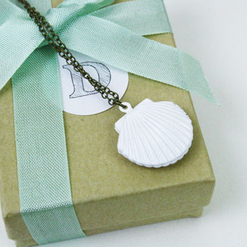 Sea Shell Locket Necklace / White Seashell Locket / Bridal Jewelry / Bridal Collection