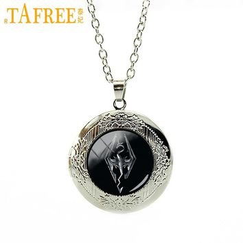TAFREE Handmade Vintage Skyrim emblem cabochon dome locket necklace Hot sale fashion men Dragon animal pendant jewelry N565