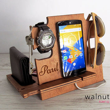 Personalized Mens birthday gift,birthday gift,gift for him,gift for men,gift for husband,gift for dad, birthday gifts,docking station,iphone