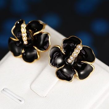 18K Gold Floral Onyx Stud Earrings Made with Swarovksi Elements