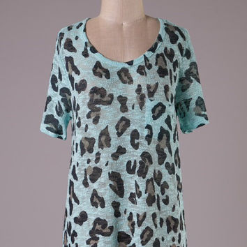 Short Sleeve Tunic Top - Mint Leopard Print